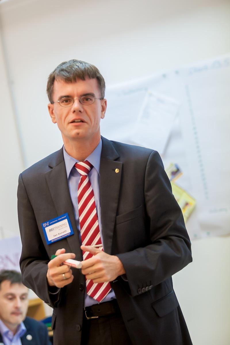 Unser Autor Jan Kunath hielt das BNI-Empfehlungstraining, Foto Martin Schlichting